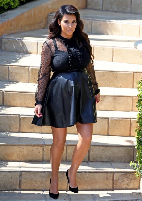 FFN_Kardashian_Kim_Premiere_032813_51051392